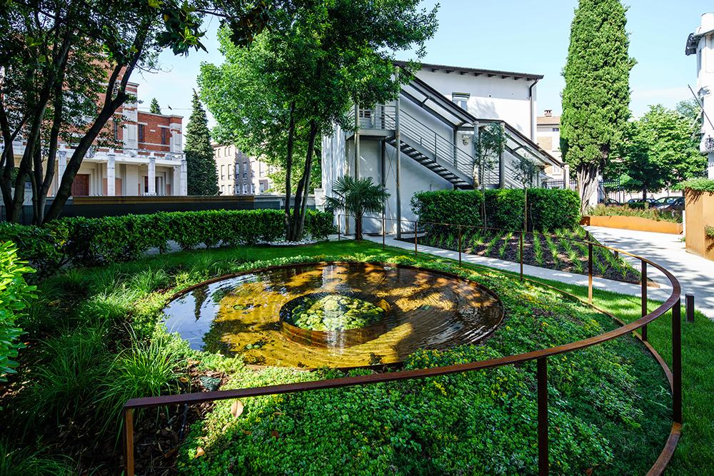 IrisAcqua \ Corten Garden